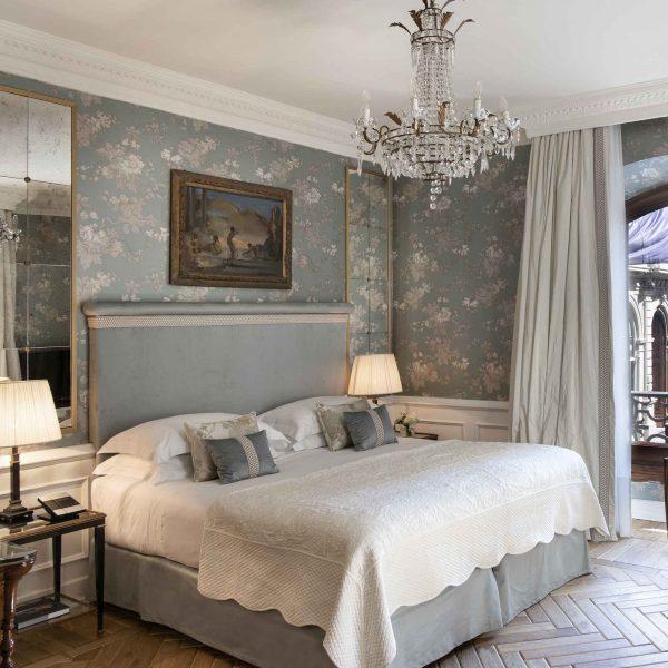 Starhotels Helvetia & Bristol in Florence: Room Interior details