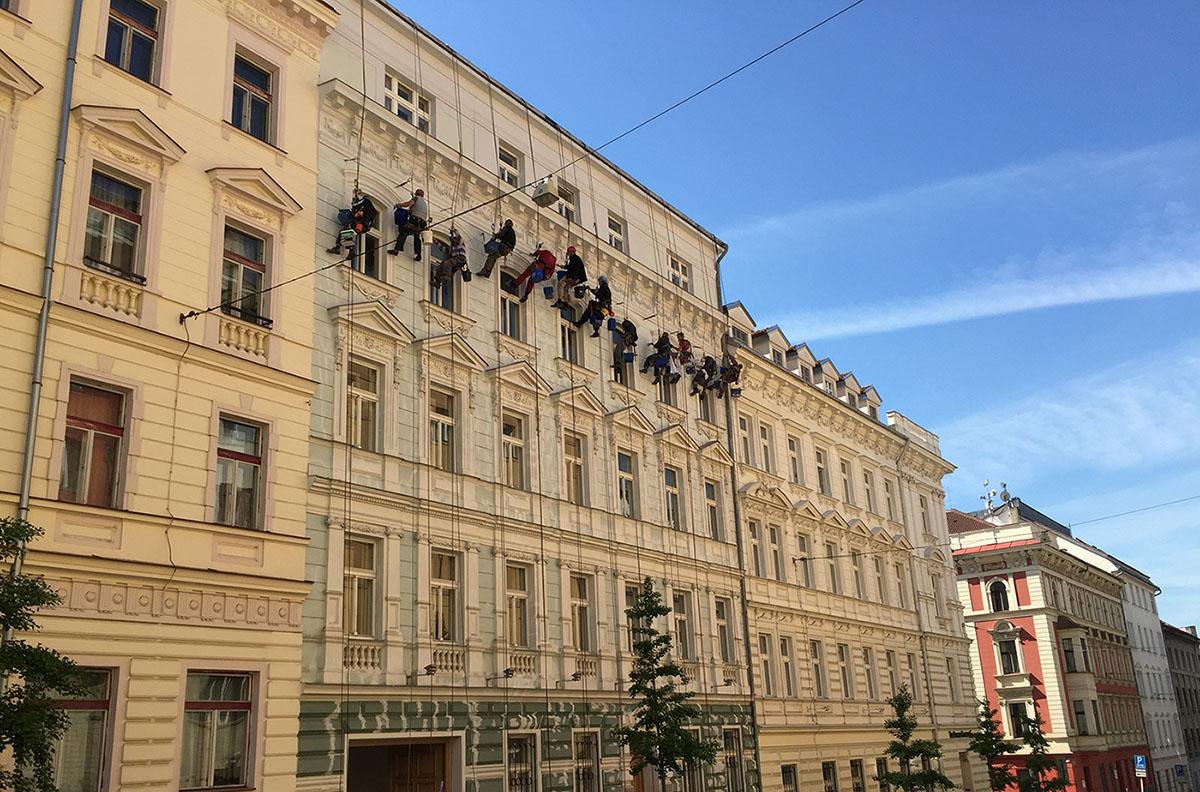 Appartamenti residenziali a Praga: dettagli palazzo esterno