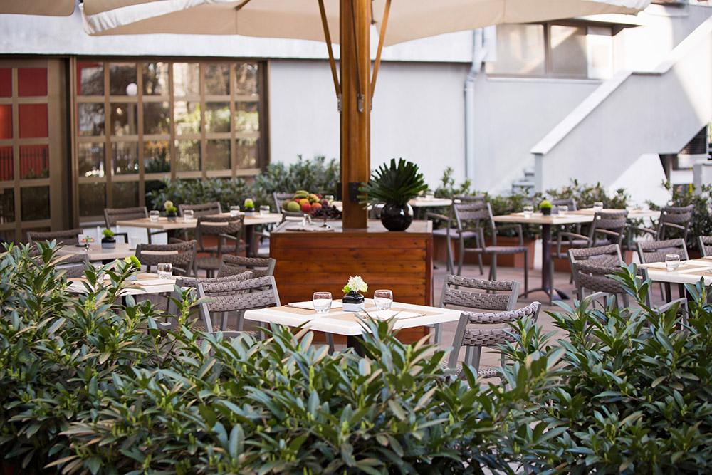Starhotels Tourist a Milano: Restaurant Dehors