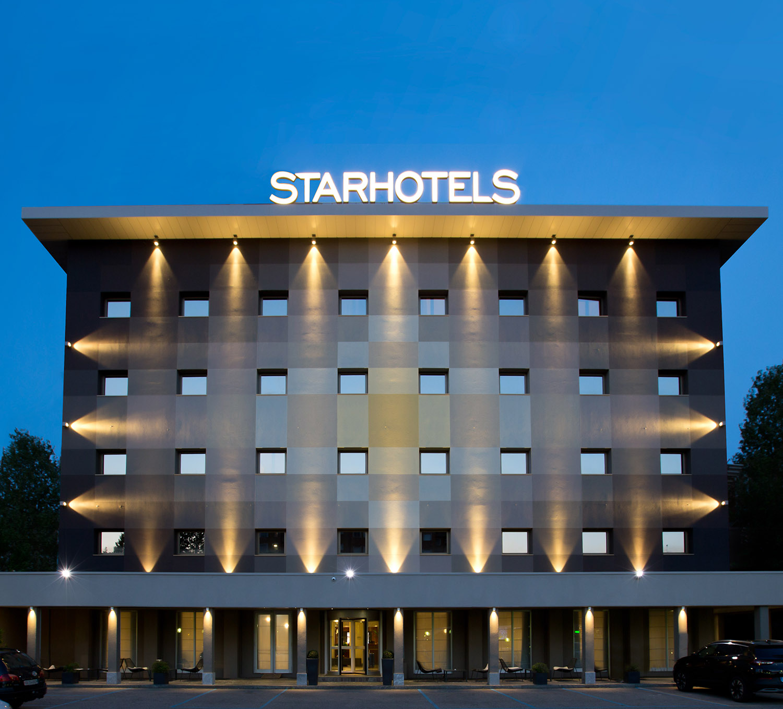Starhotels Tourist a Milano: exterior view