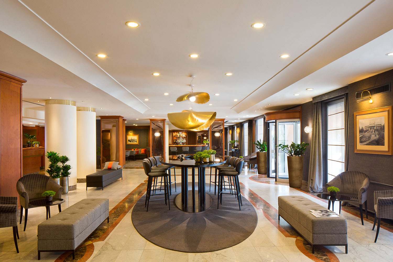 Starhotels Tourist a Milano: Entrance Hall