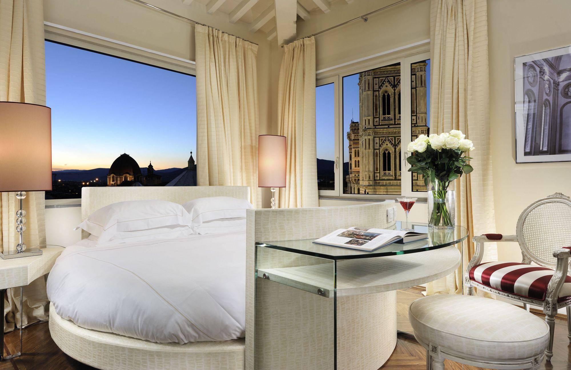 Hotel Brunelleschi a Firenze: dettaglio camera
